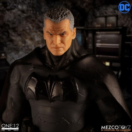 Mezco One:12 Collective Supreme Knight Batman
