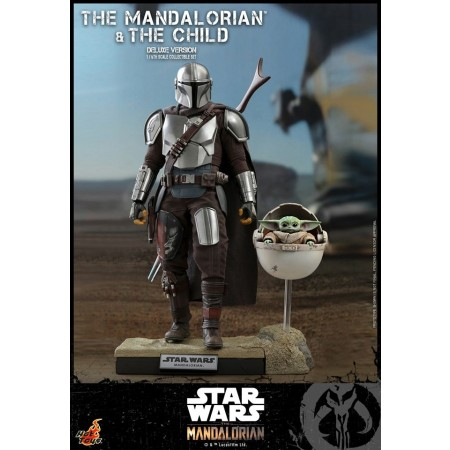 Hot Toys The Mandalorian ( Beskar Armour ) and The Child Deluxe 1/6 Figure Set