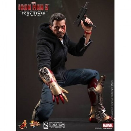 Hot Toys Iron Man 3 The Mechanic Tony Stark 1/6th Scale Figure