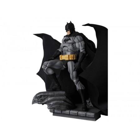 DC Mafex Batman Hush No 126 ( Versión Negra )