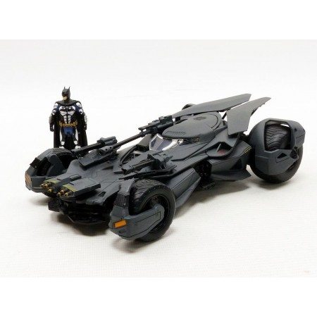 Jada 1:24 Justice League Batmobile & Figure