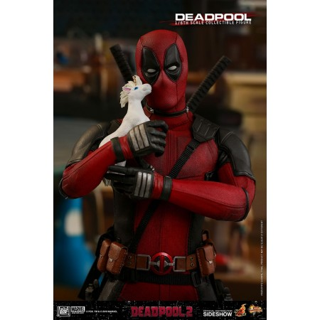 Hot Toys Deadpool 2 Deadpool 1/6 Scale Figure