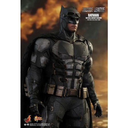 Hot Toys Justice League Batman (Tactical Batsuit Version) 1/6th Scale Collectable Figure