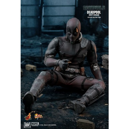 Hot Toys Deadpool 2 Deadpool (Dusty Version) 1/6th Scale Collectible Figure