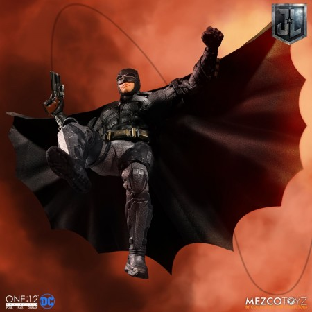 Mezco One:12 Collective Justice League Tactical Suit Batman