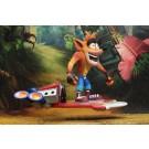 NECA Crash Bandicoot figura Deluxe con Hoverboard