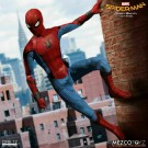 Mezco uno: 12 colectiva Homecoming Spider-Man