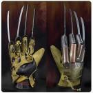 NECA Nightmare On Elm Street Freddy's Glove Prop Replica